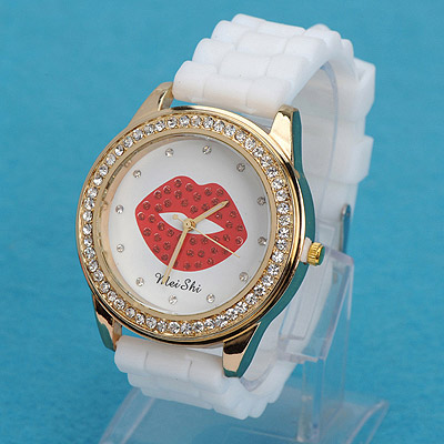 Small white diamond decorated lips pattern design silicone Ladies Watches