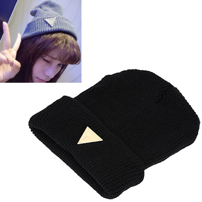 Girls black metal triangle shape decorated hedging design