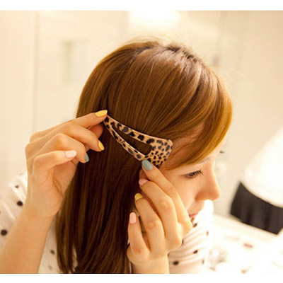 Expression leopard color triangle shape hollow out design alloy Hair clip hair claw