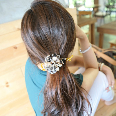 Catholic leopard color flower shape simple design alloy Hair clip hair claw