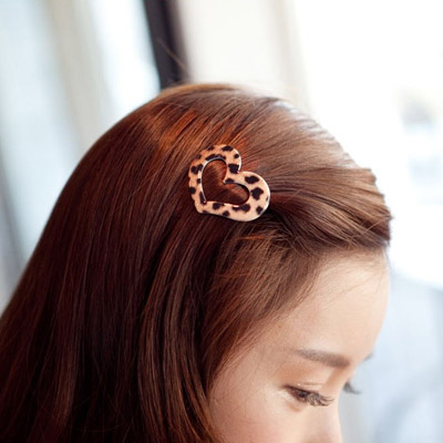 Slacks leopard color heart shape hollow out design alloy Hair clip hair claw