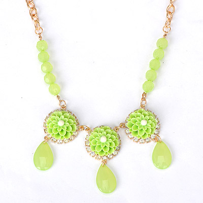 Fine green flower decorated simple design alloy Bib Necklaces