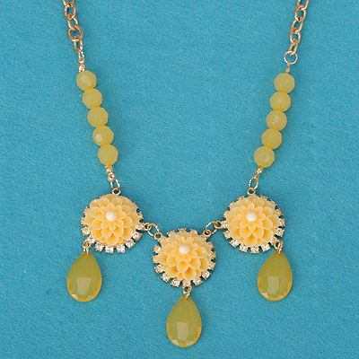 Tribal yellow flower decorated simple design alloy Bib Necklaces
