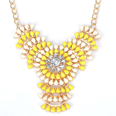 Fashionabl yellow & white flower decorated hollow out design alloy Bib Necklaces