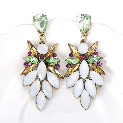 Fashionabl White Gemstone Decorated Leaf Shape Design