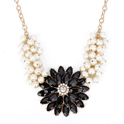 Caterpilla Black Pearl Decorated Flower Design Alloy Bib Necklaces