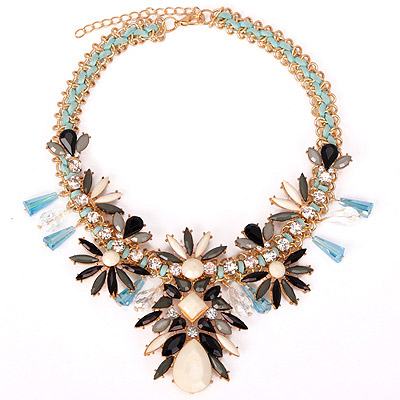 Uniform White Gemstone Decorated Petals Shape Design Alloy Bib Necklaces