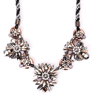 Foldable Black & White Gemstone Decorated Flower Design Alloy Bib Necklaces