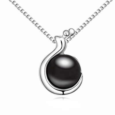 Convertibl Black Snail Shape Pendant Pearl Crystal Necklaces