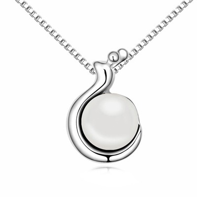 Native White Snail Shape Pendant Pearl Crystal Necklaces