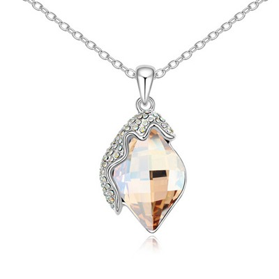 Handcrafte Gold Color Classic Lamp Pendant Design Austrian Crystal Crystal Necklaces