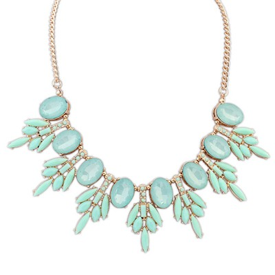 Wholesale Light Green Tree Leaf Gemstone Decorated Design Alloy Bib Necklaces