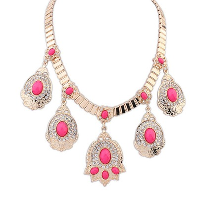 Current Plum Red Diamond Decorated Oval Gemstone Pendant Design Alloy Bib Necklaces