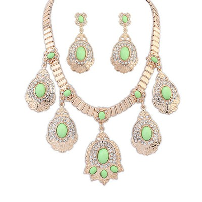 Nameplate Grass Green Diamond Decorated Oval Gemstone Pendant Design Alloy Jewelry Sets