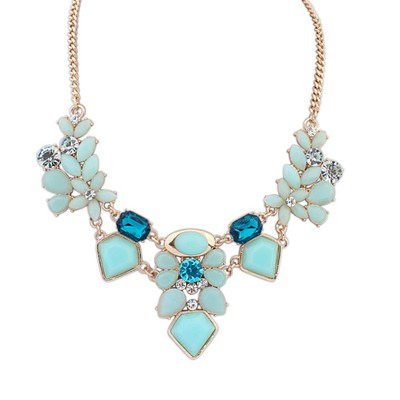 Japanese Light Green Irregular Gemstone Decorated Alloy Bib Necklaces