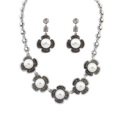 Order Qntique Silver Four-Leaf Clover Pearl Design Alloy Jewelry Sets