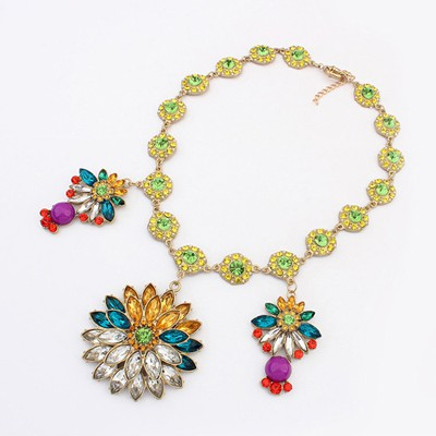 Fabulous Multicolor Flower Gemstone Pendant Exaggerate Design Alloy Bib Necklaces