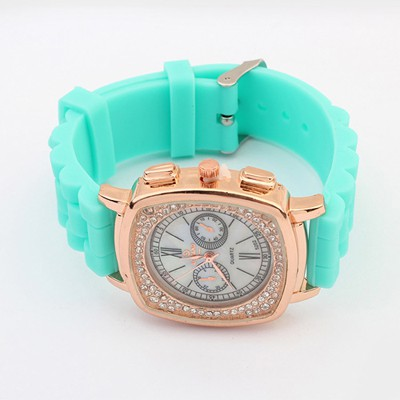 Single Blue Exquisite Diamond Surrounded Square Shape Design Silicone Fashion Watches