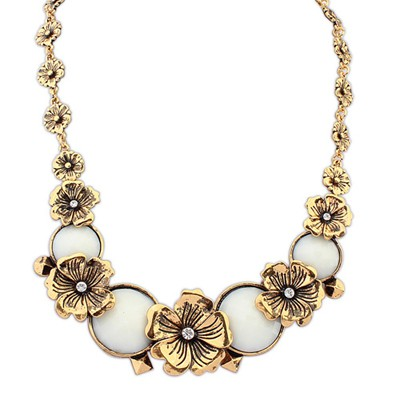 Chunky Beige Vintage Metal Flower Decorated Alloy Bib Necklaces