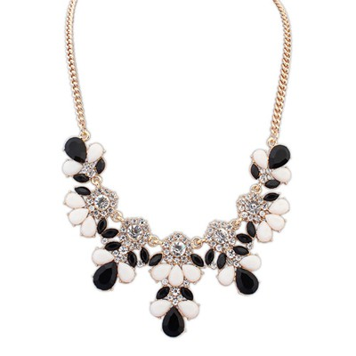 Hippie Black And White Sweet Gemstone Flower Decorated Alloy Bib Necklaces
