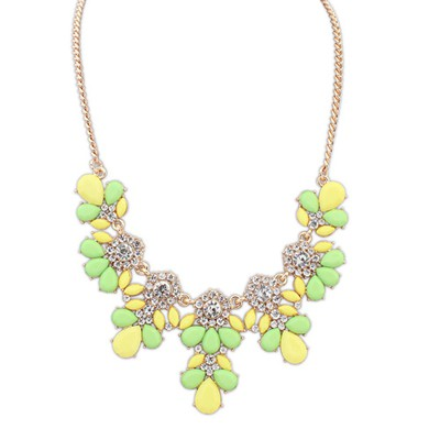 Decorative Yellow&Green Sweet Gemstone Flower Decorated Alloy Bib Necklaces