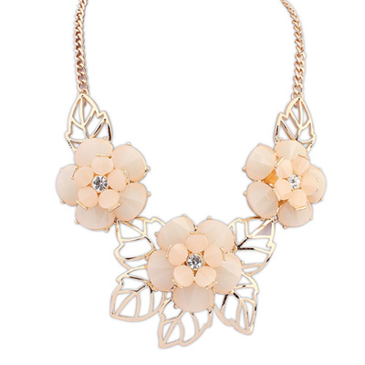 Clutch lightpink gemstonedecoratedflowerdesign alloy Bib Necklaces