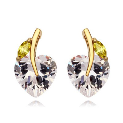 Seamless white CZ diamond decorated heart shape design zircon Crystal Earrings