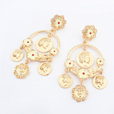High Quali gold color pedestrian head pattern decorated flower desgin alloy Korean Earrings