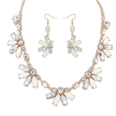 Dangle beige CZ diamond decorated Butterfly shape design alloy Jewelry Sets