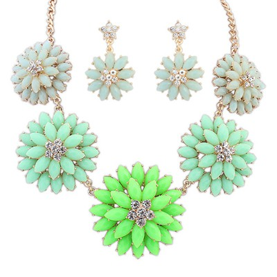 Luxury green gemstone decorated multi-level flower design alloy Jewelry Sets