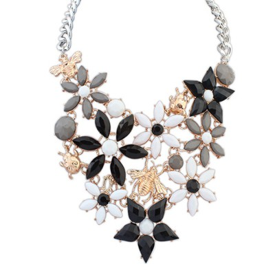 Steelers white & black insect decorated flower design alloy Bib Necklaces
