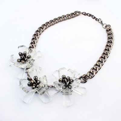 Western white flower decorated simple design resin Bib Necklaces