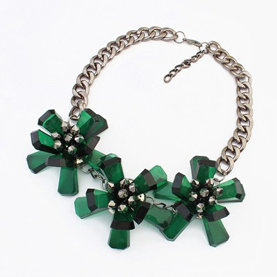 18K green flower decorated simple design resin Bib Necklaces