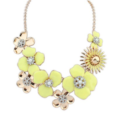 Corporate yellow diamond decorated flower design alloy Bib Necklaces
