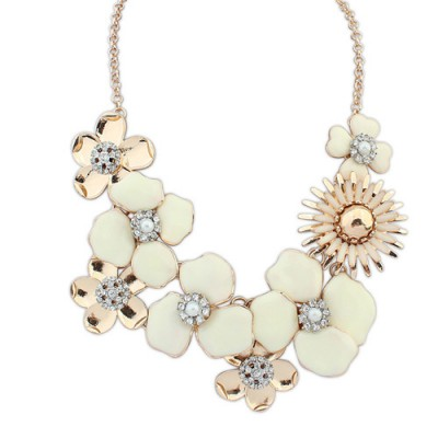 Hurley apricot diamond decorated flower design alloy Bib Necklaces