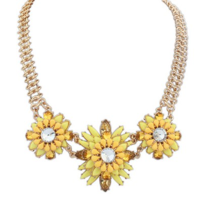 Hiphop yellow gemstone decorated flower design alloy Bib Necklaces