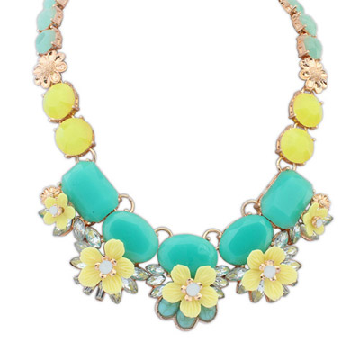 Sweet green gemstone decorated flower design alloy Bib Necklaces