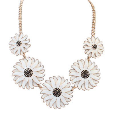 Lace white flower decorated simple design alloy Bib Necklaces