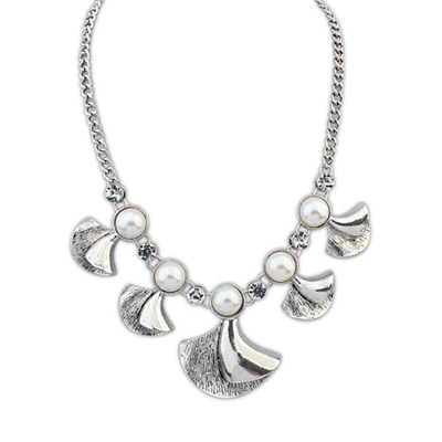 Pagan ancient silver pearl decorated fan shape design alloy Bib Necklaces