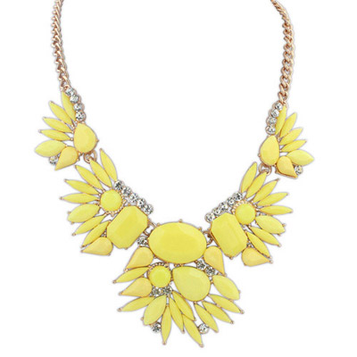 Trendy Yellow Gemstone Decorated Simple Design Alloy Bib Necklaces