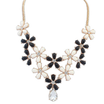 Photograph Black & Beige Diamond Decorated Flower Design Alloy Bib Necklaces