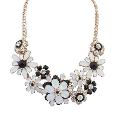 2013 Black & White Gemstone Decorated Flower Design Alloy Bib Necklaces