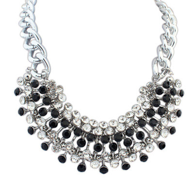 Engraved Black Diamond Decorated Simple Design Alloy Bib Necklaces