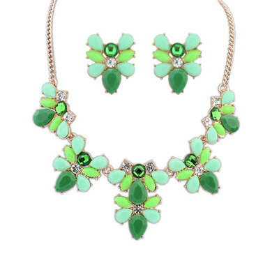 Twilight Green Gemstone Decorated Bee Shape Design Alloy Jewelry Sets