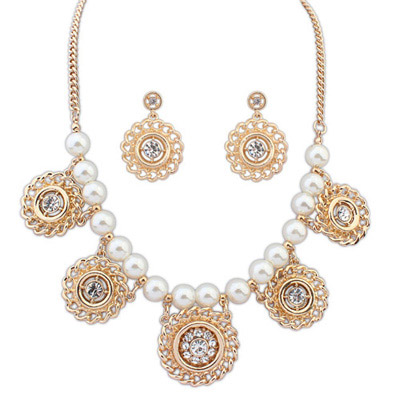 Jockey Gold Color Doimond Decorated Round Shape Design Alloy Jewelry Sets