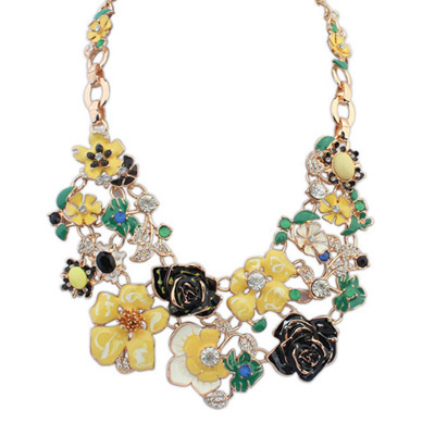 Oversized Yellow Flower Decorated Simple Design Alloy Bib Necklaces