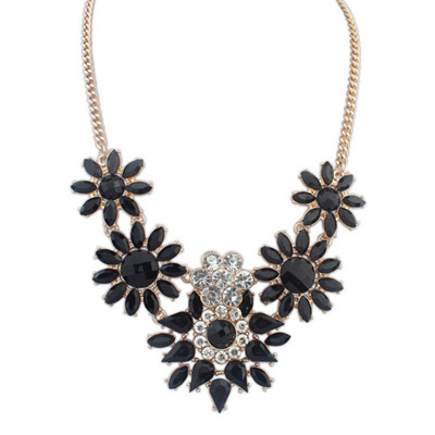 Alternativ Black Diamond Decorated Flower Design Alloy Bib Necklaces