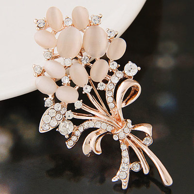 Fashiong Gold Color Diamond Decorated Flower Shape Design  Alloy Korean Brooches