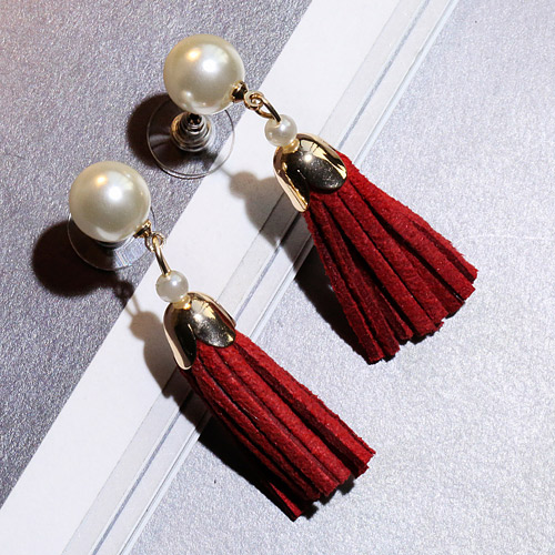 Sweet Red Pearl Decorated Tassel Design