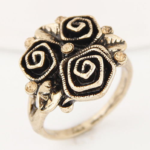 Vintage Antique Gold Flower Shape Decorated Simple Ring